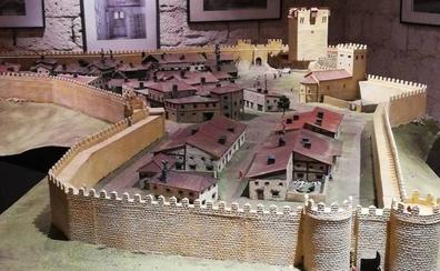 El castillo de Tiedra añade una maqueta que muestra al pueblo en el siglo XII