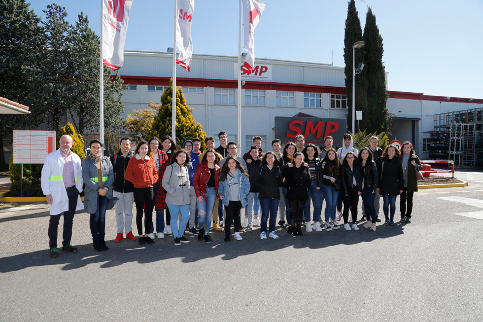 Alumnos sorianos conocen la fábrica SMP en el programa STARTinnova