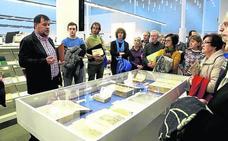 La Biblioteca Pública acoge hasta el día 30 exposiciones sobre incunables y fondos antiguos