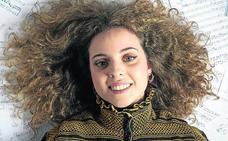 Candela, la embajadora adolescente de la música clásica