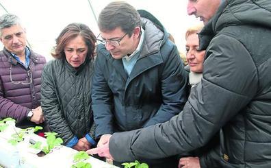 Fernández Mañueco define al PP como «el partido del campo y el medio rural»