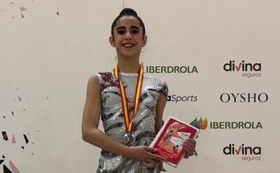 Elena Bernal, del Rítmica Salamanca, subcampeona de España en la categoría cadete