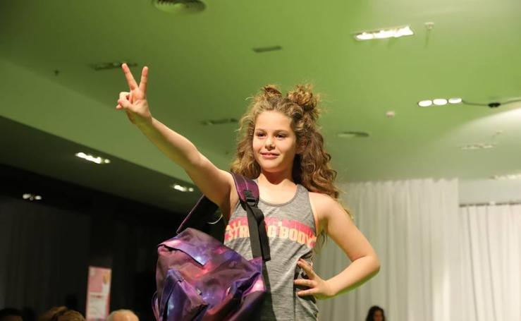 Desfile de moda en el Centro Comercial El Tormes