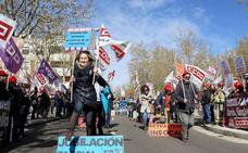 Junta y sindicatos negociarán la recuperación de las 35 horas para los empleados públicos de Castilla y León