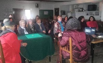 «El bordado popular serrano no es nada parecido al de otras zonas de España»