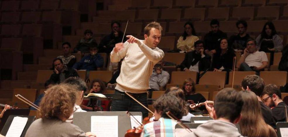 Del Conservatorio al escenario a tocar a Mozart con el maestro Gourlay