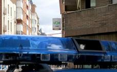 La Policía interviene en la sede de Vox en León para calmar ánimos entre dirección y militantes por las listas electorales