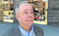 Eduardo Calvo: «Pablo Casado, con el que tendremos que negociar, ofrece un liderazgo débil»