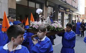 Más de 150 niños desfilan en la primera procesión de la Semana Santa de Palencia