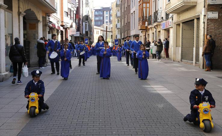 Los niños inauguran la Semana Santa de Palencia