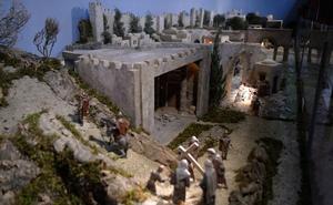 Veinte escenas de la Semana Santa con las técnicas del Belén navideño en Valladolid