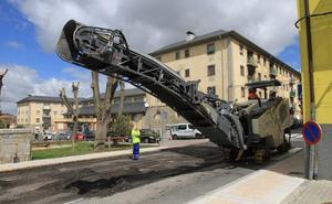 El Ayuntamiento baraja realizar algunas obras de asfaltado por la noche