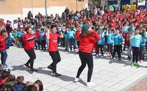 Los escolares del Santa Clara llenan Cuéllar de notas con Musiqueando