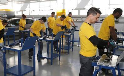Renault contrata en cinco años a más de 2.000 personas formadas en el taller del Cristo