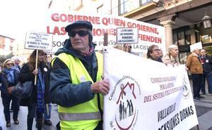 Doscientas personas reclaman en Valladolid que las pensiones se blinden en la Constitución