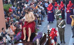 El Ecce Homo hallado en un polvorín deslumbra en su primera salida procesional en Valladolid