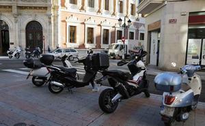 Las motos para moverse por la ciudad de Palencia ganan adeptos y superan las seis mil