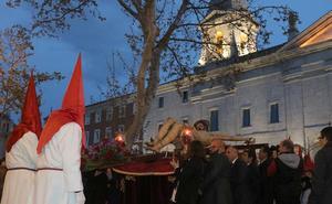 El traslado del Cristo de los Trabajos culmina un multitudinario fin de semana en Valladolid