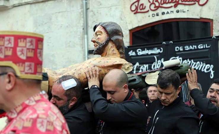 Dolor con la caída y rotura de la imagen del Santísimo Cristo de Burgos