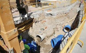 El Ayuntamiento renueva tuberías de agua en Garrido, Comuneros y Arrabal