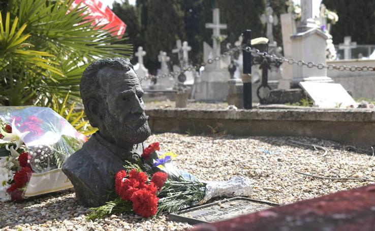 Homenaje a las víctimas de la Guerra Civil en el Cementerio de El Carmen