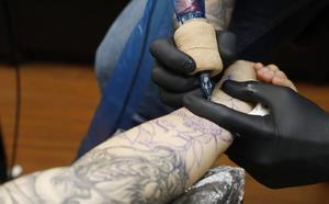 El número de estudios de tatuajes de la ciudad de Palencia se triplica en cinco años