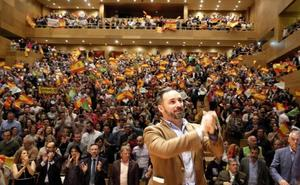 Abascal, en Valladolid: «Vox viene a levantar la bandera de la libertad que otros no se atrevían»