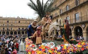 Salamanca se llena de palmas para arropar a Jesús en su entrada triunfal en Anaya