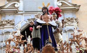 Jesús Despojado entra en la Plaza Mayor por primera vez en su historia