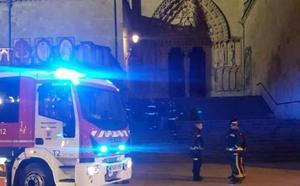El dispositivo antipalomas de la Catedral de Burgos activa a los bomberos en la noche del incendio de Notre Dame