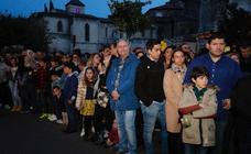 Público en la procesión del Encuentro del Martes Santo en Valladolid (2/2)