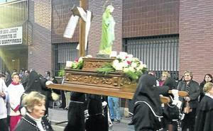 Medina del Campo reza el rosario de las mujeres