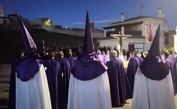 Procesión del Santo Rosario de Dolor en Torrelobatón (1/2)