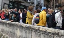 Los turistas llenan el centro de Segovia el Miércoles Santo