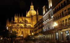 La Diócesis de Segovia se plantea actualizar el plan antiincendios de la Catedral con los bomberos