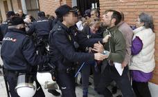 Desahucian a una familia con dos bebés de uno y dos años en Palencia