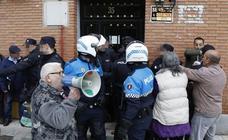 Un matrimonio con dos bebés es desahuciado en Palencia