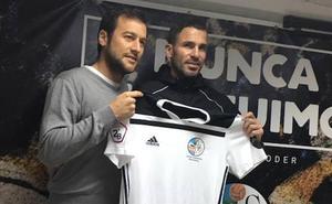 David Torres: «Creo que con 6 o 7 puntos el Salamanca CF podrá salvar la categoría»