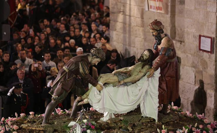 Masiva presencia nocturna en las procesiones