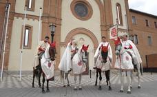 Pregón a caballo en Nava del Rey