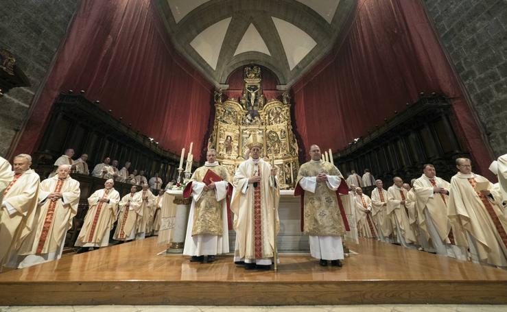Misa Crismal en la catedral de Valladolid