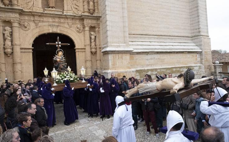 Vía Crucis y la Procesión del Encuentro de Jesús Camino del Calvario con su Madre en Medina de Rioseco