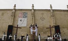 El Descendimiento, en vivo junto a la Catedral de Palencia