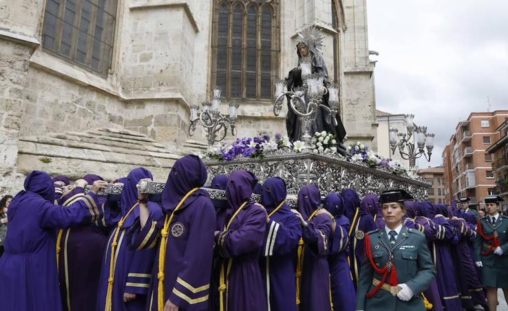 La procesión de Los Pasos entre San Pablo y la Catedral