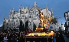 Deslucida Procesión de los Pasos de Segovia por la ausencia de varias cofradías
