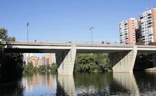 Los Bomberos de Valladolid recuperan el cadáver de un varón de 72 años en el río Pisuerga