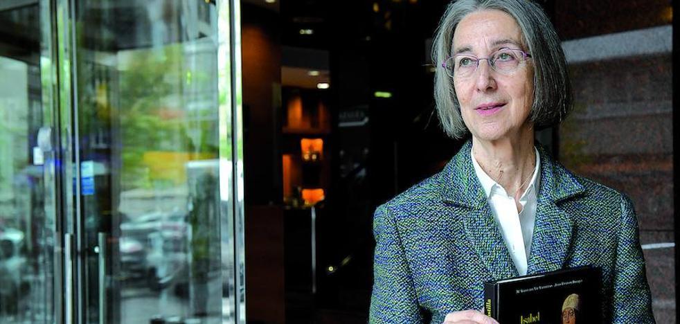 Isabel del Val: «La historia nos enseña que no puede confiarse en lo conquistado, hay que estar alerta siempre»