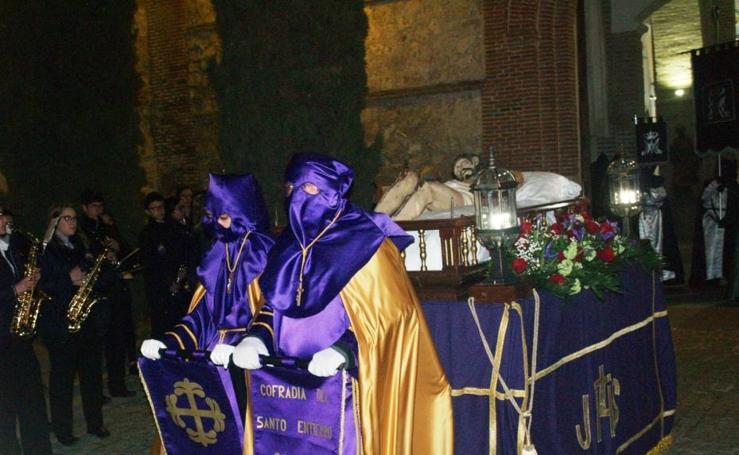 Procesión del Santo Entierro el Viernes Santo en Olmedo