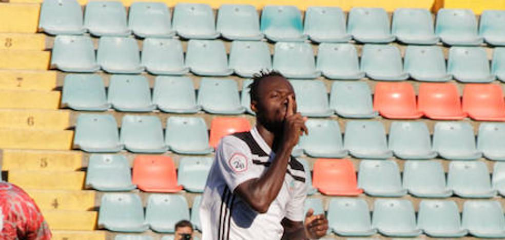 Owusu pide perdón al Salamanca CF y el club le sancionará económicamente pero le permitirá seguir jugando