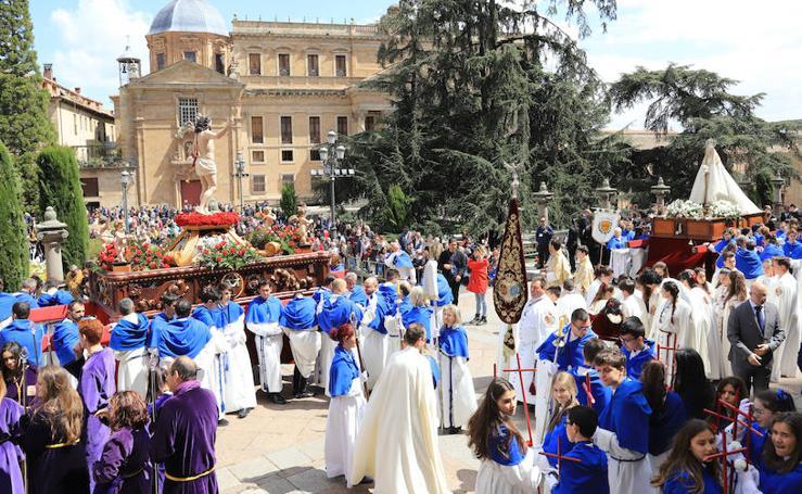 Procesión del Encuentro entre la Virgen de la Alegría y Jesús Resucitado en Salamanca